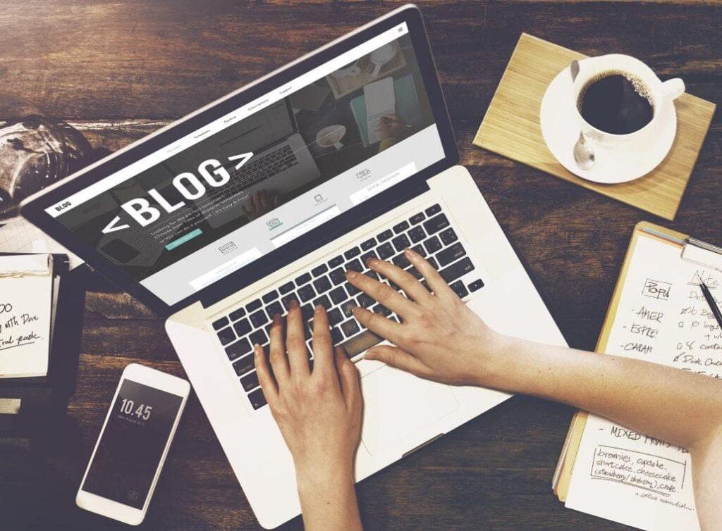 Cosa scrivere in un blog dipende dall'analisi dei tuoi lettori, delle loro preferenze e dei settori in cui intendi posizionarti.