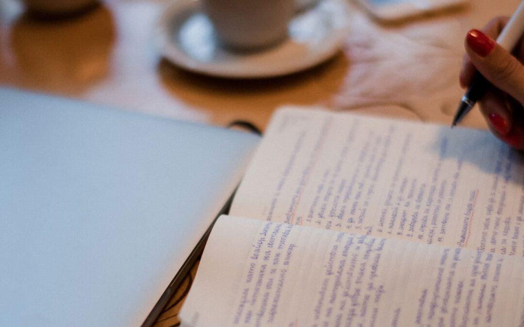 Il nostro obiettivo è aiutarti a raggiungere i tuoi obiettivi grazie a servizi di scrittura e traduzione.